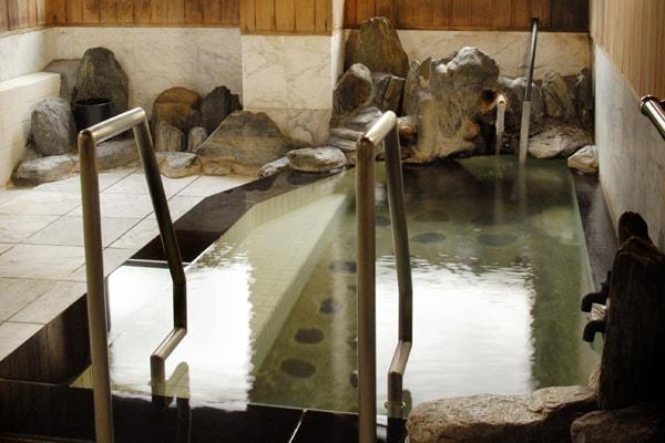 岩石室内風呂