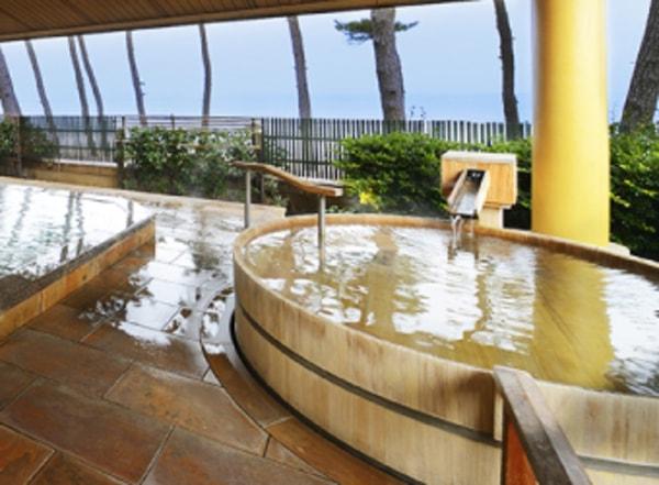 女性大浴場 大山の湯屋露天檜風呂(湯賓館2階)