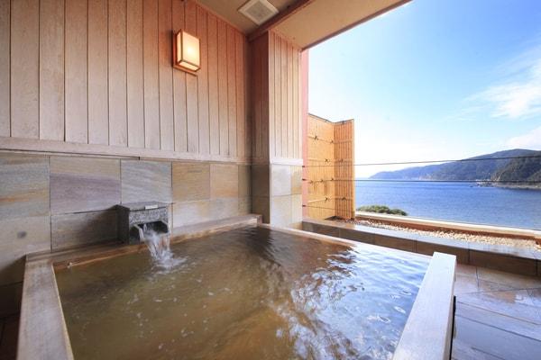 露天風呂付貸切個室 檜風呂 亜麻