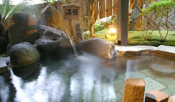 安田屋旅館 2階野天風呂