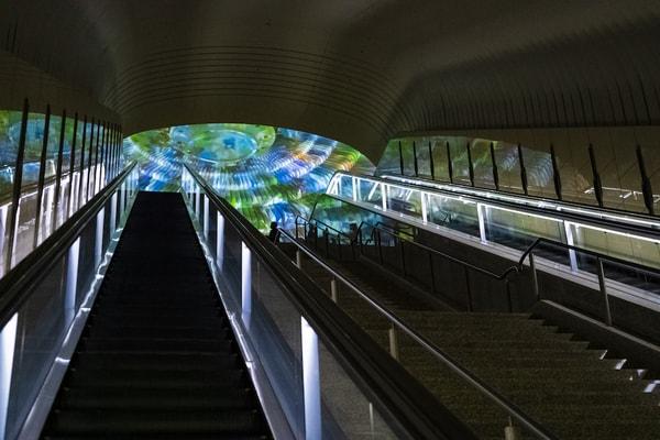 MOA美術館 エスカレーター
