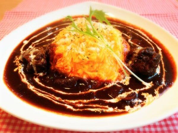 雲仙和牛のオムハヤシライス(料理一例)