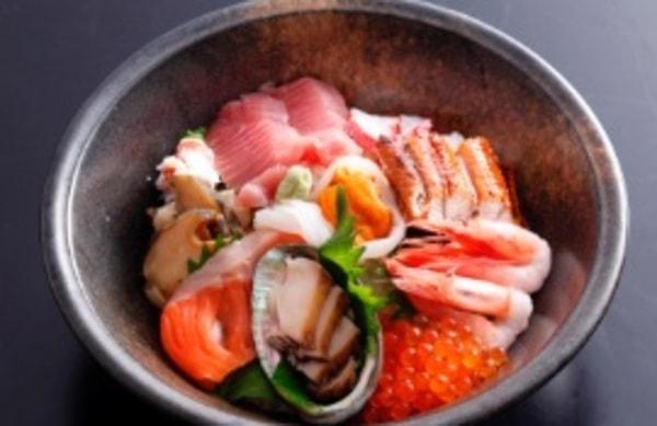 お食事処おこっぺ 海鮮丼(料理一例)