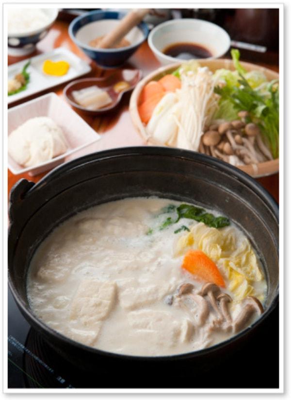 温泉湯豆腐定食(一例)