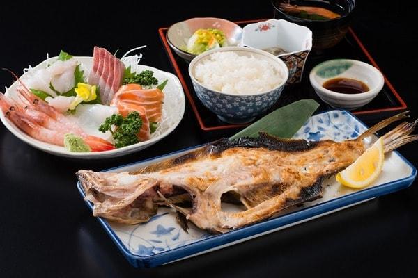 お食事処 田島 前浜御膳(一例)