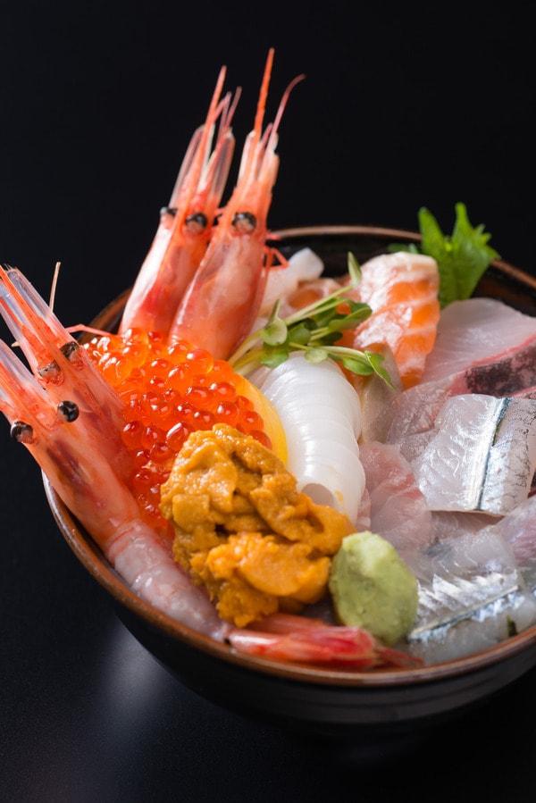 お食事処 田島  海鮮丼(一例)