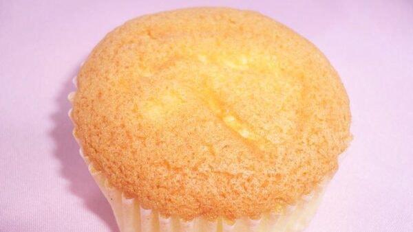 みくにの詩 レモンとクリームチーズで焼きあげた、しっとりした焼き菓子(商品一例)