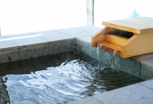 HESO Hotel ph10.3の強アルカリ性単純温泉を加水・加温せずにかけ流しで愉しめる