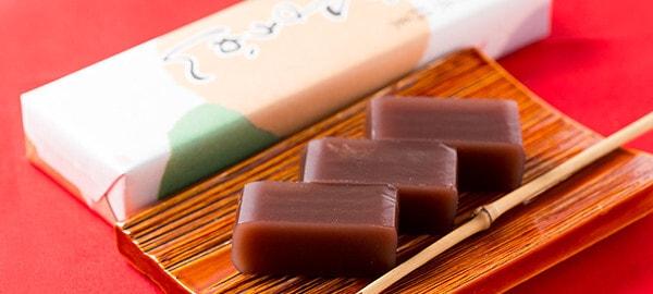 小豆の味が堪能できる、しっかりとした歯ごたえの練ようかん(商品一例)