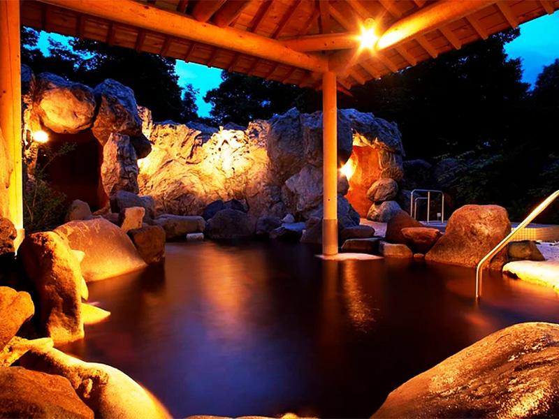 【奥軽井沢温泉】浅間山麓の森の中にたたずむ一大リゾート地