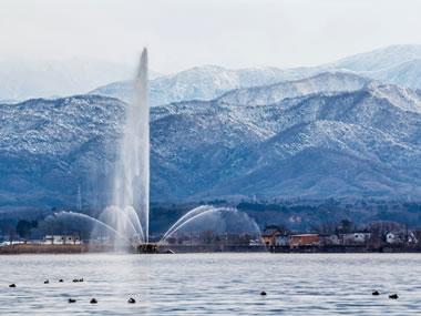 【加賀温泉郷 片山津温泉】いつ訪れても美しい柴山潟と霊峰・白山が出迎える