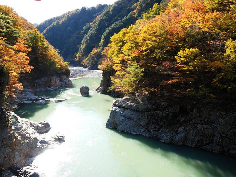 【川治温泉】美しい渓谷に広がる素朴でのどかな温泉地