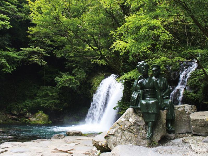 【河津温泉郷七滝温泉】迫力満点の七滝めぐりと源泉かけ流しの温泉を満喫