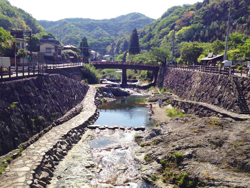 【塩江温泉】名僧・行基ゆかりの山あいの温泉地