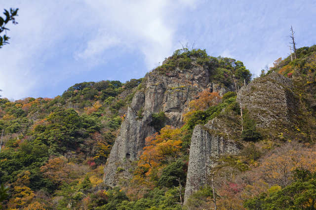 【立久恵峡温泉】ダイナミックな自然に心癒される温泉