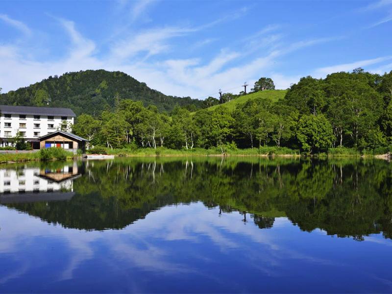 【木戸池温泉】四季を通じて楽しめる湖畔の温泉リゾート