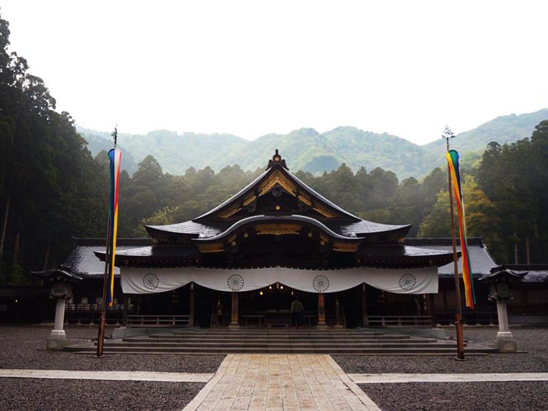 【弥彦温泉】門前町で旅人を癒してきた、「熱の湯」という名の温泉
