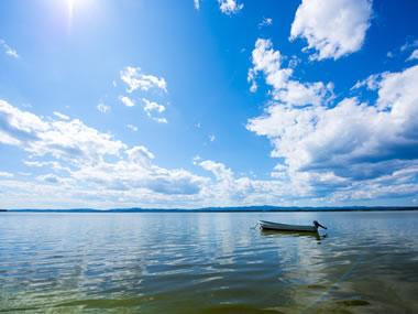【網走湖畔温泉】絶景の網走湖を見晴らす高台の温泉地