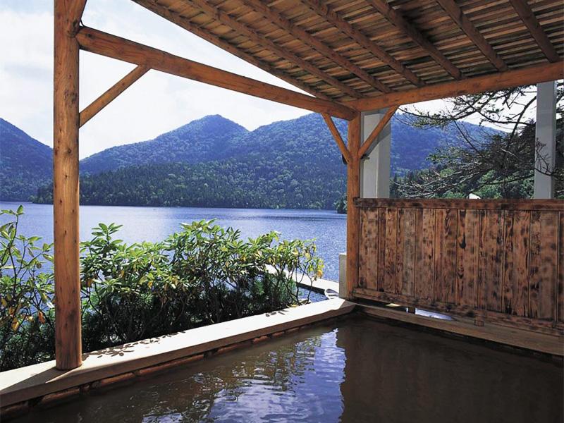 【然別湖畔温泉】手つかずの自然を保つナキウサギ鳴く湖畔の湯