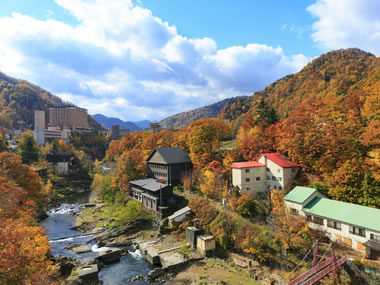 【定山渓温泉】美しい紅葉と良質な湯が人気温泉地