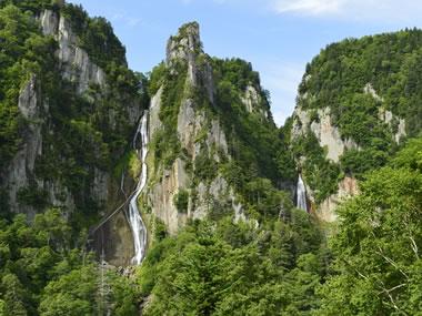 【層雲峡温泉】道内有数の温泉地は峡谷美も自慢