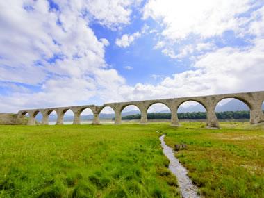 【十勝川温泉】季節により変わるタウシュベツ川橋梁の景観が見事