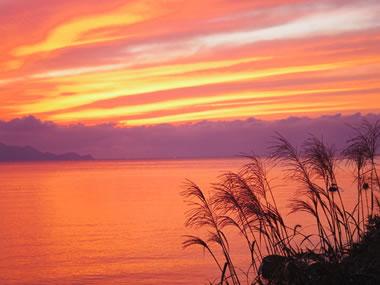 【夕日ヶ浦温泉】全国にその名を馳せる美しい夕日は一生の思い出に