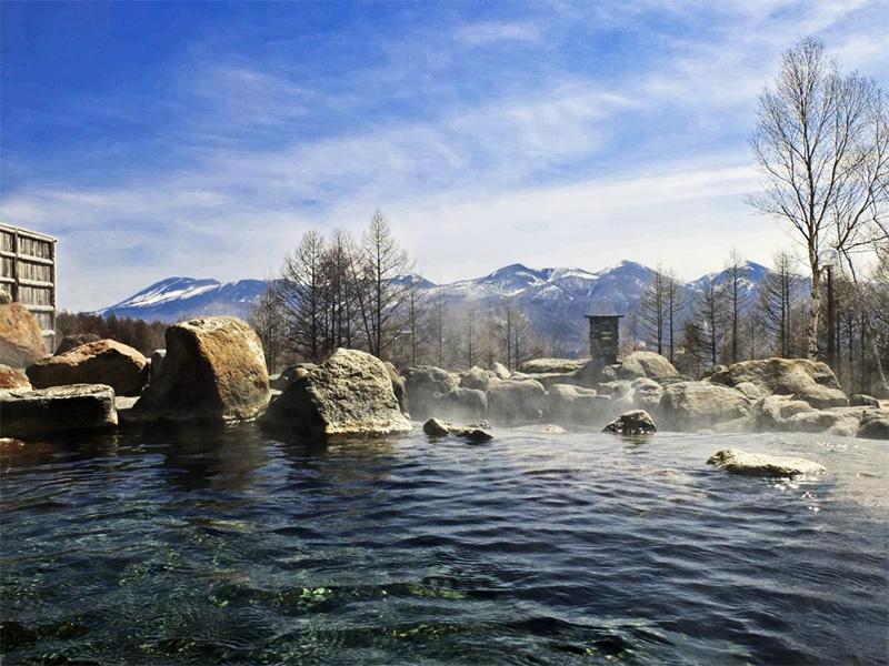 【あずまや温泉】標高約1500mの大自然に抱かれた絶景の湯
