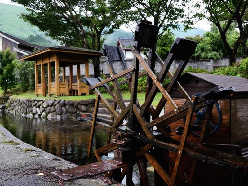 【山川温泉】小国富士の麓、緑豊かな山里に湯けむり上る温泉地