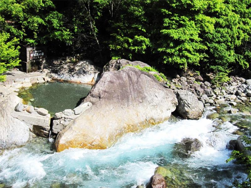 【新穂高温泉】大自然の中の露天風呂天国