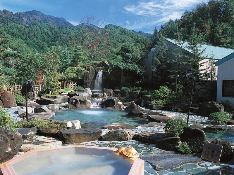 【南木曽温泉】江戸時代の旅籠風情漂う山間の温泉地