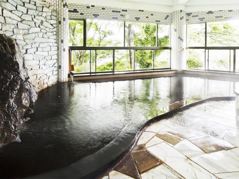 【亀山温泉】房総半島の奥座敷、地下約2000mから毎分600Lを自噴するチョコレート色の天然温泉