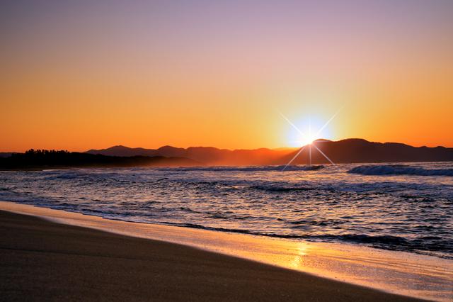 【橘の郷 上野温泉】青緑の海と白浜が美しい八丁浜の温泉