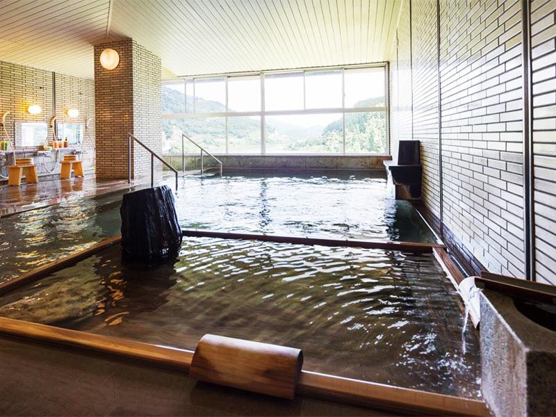 【白峰温泉】白山麓の奥に湧く自然豊かな温泉