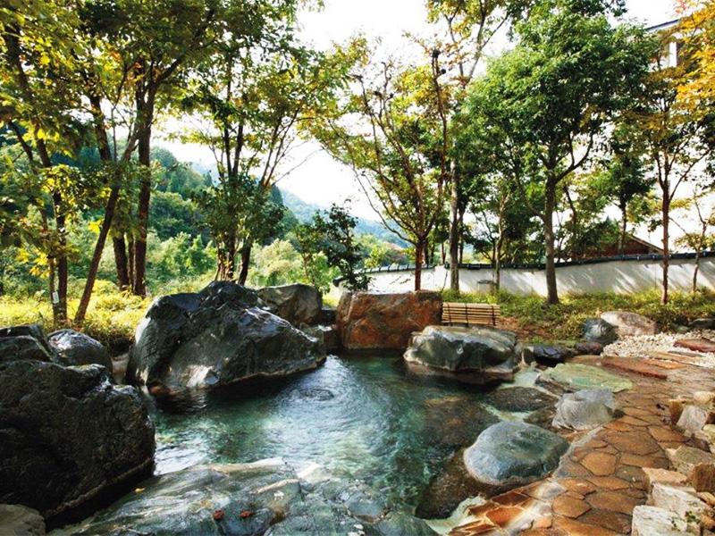 【笹倉温泉】糸魚川の山懐に湧く美人の湯