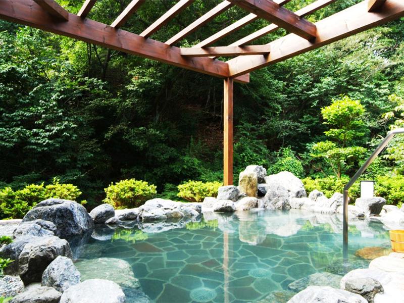 【城崎円山川ひだまり温泉】山々に囲まれた城崎の奥座敷に湧く温泉