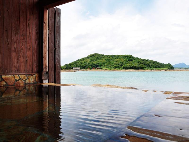 【天草松島温泉】風光明媚なロケーションと極上の魚介料理が楽しめる温泉地