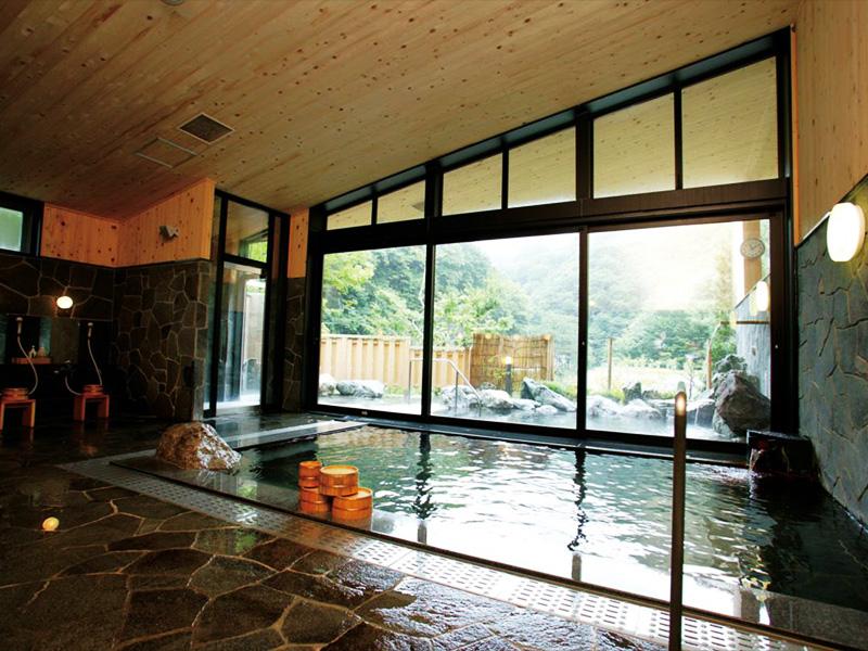 【塩ノ沢温泉】秘湯の雰囲気漂う山間に湧く良質の温泉