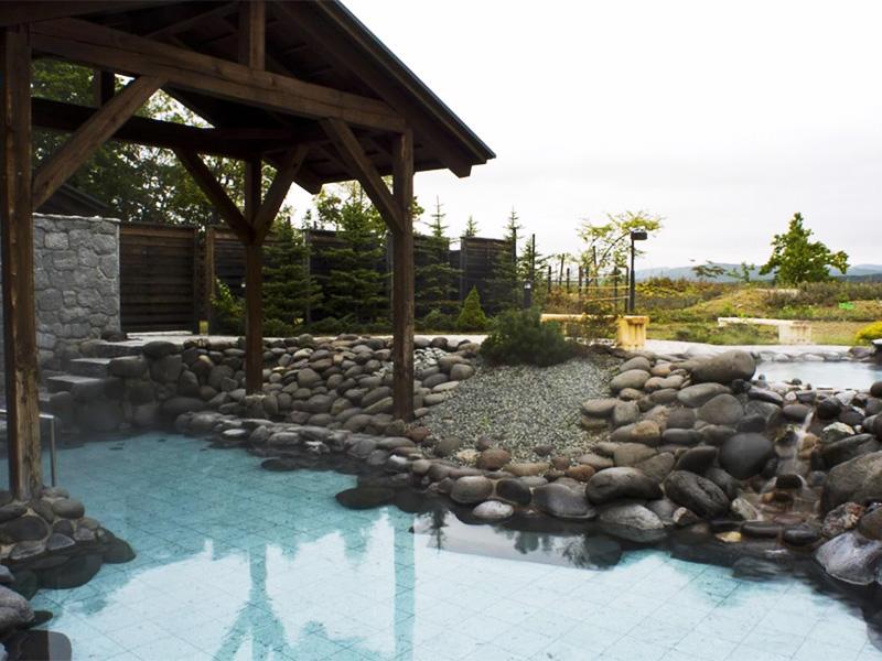 【東神楽温泉】旭川空港からのアクセスも良く、大自然の山々に囲まれた温泉地