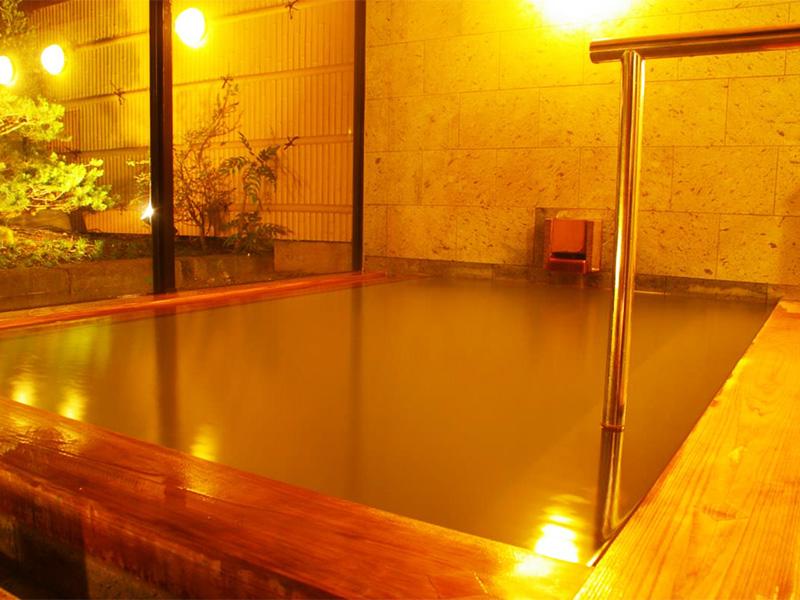 【蒲井温泉】京丹後市の最西端に湧く茶褐色の湯