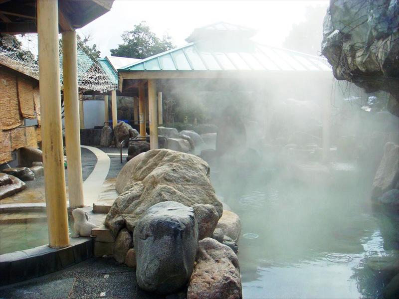 【見奈良天然温泉】西日本最大級の天然温泉の野天風呂