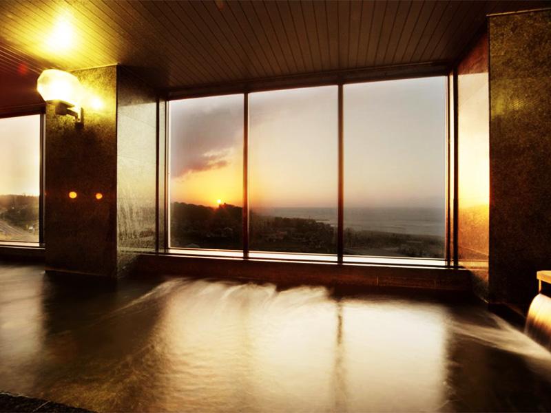 【鯨波松島温泉】日本海の海の幸と夕日を味わう温泉地