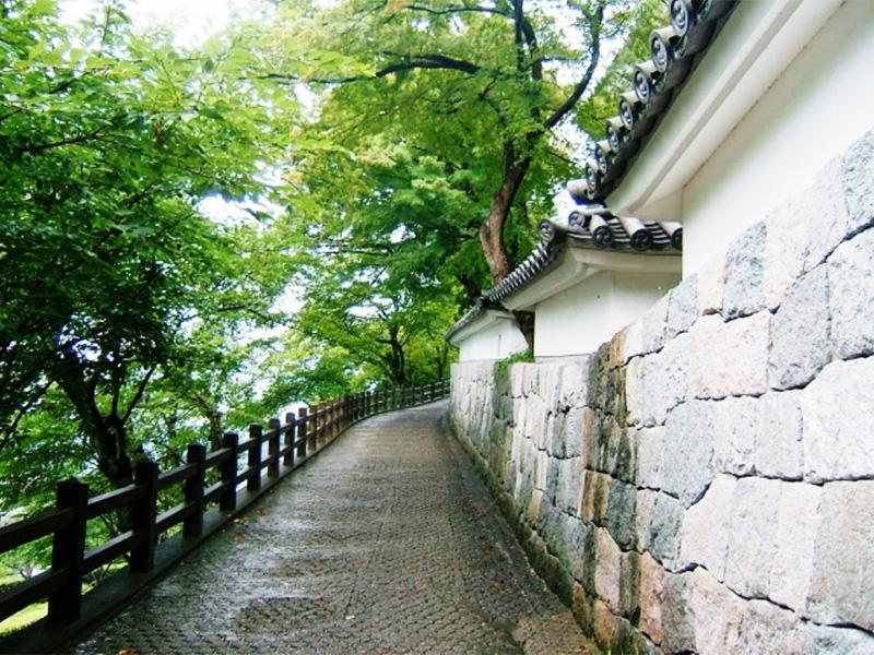 【綾部・福知山温泉】歴史探訪も楽しみたい塩化物泉の温泉