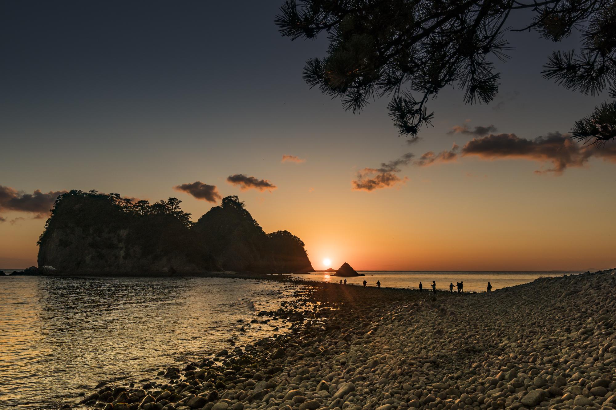 【浮島温泉】美しい夕日を背に永遠の愛を誓おう