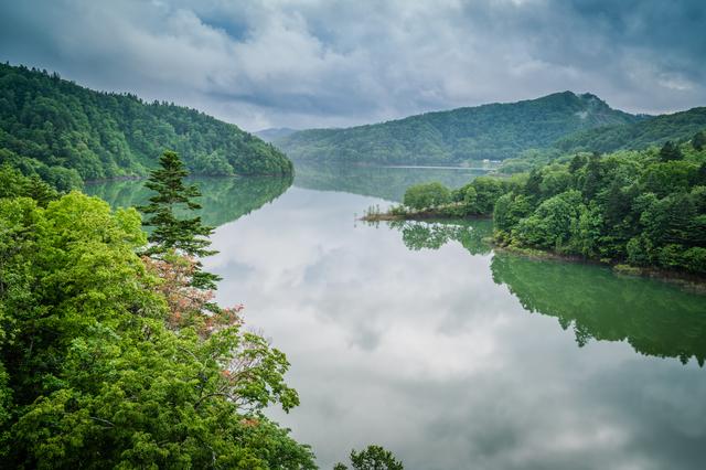 【湯の元温泉】山あいの静かな環境に佇む、地産グルメ豊富な温泉地