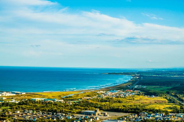 【枝幸温泉】オホーツク海を一望する丘に湧く淡黄色の源泉