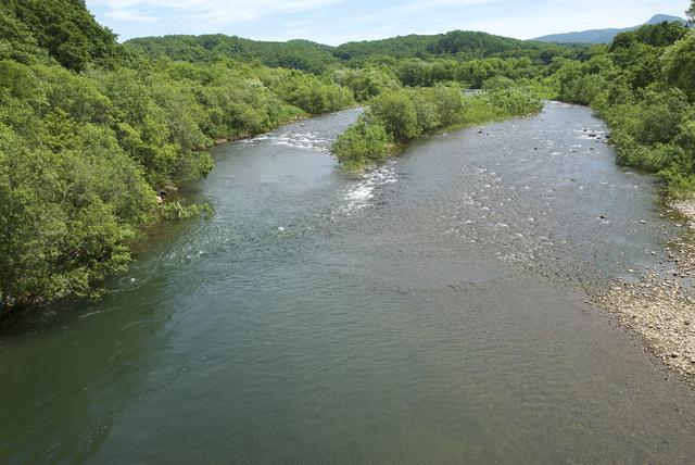 【昆布川温泉】川のほとりに湯煙を上げる、ニセコのいで湯