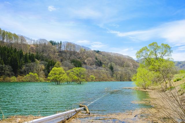 【向山温泉】谷川岳の真下、奥利根の自然に触れる温泉地
