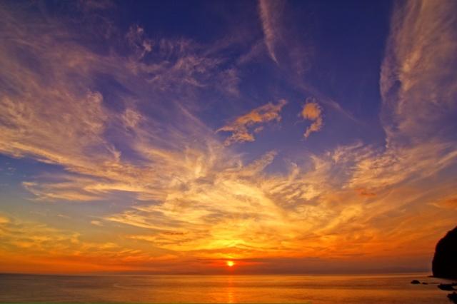【八木沢温泉】駿河湾を一望する城跡に抱かれた、海沿いの温泉地