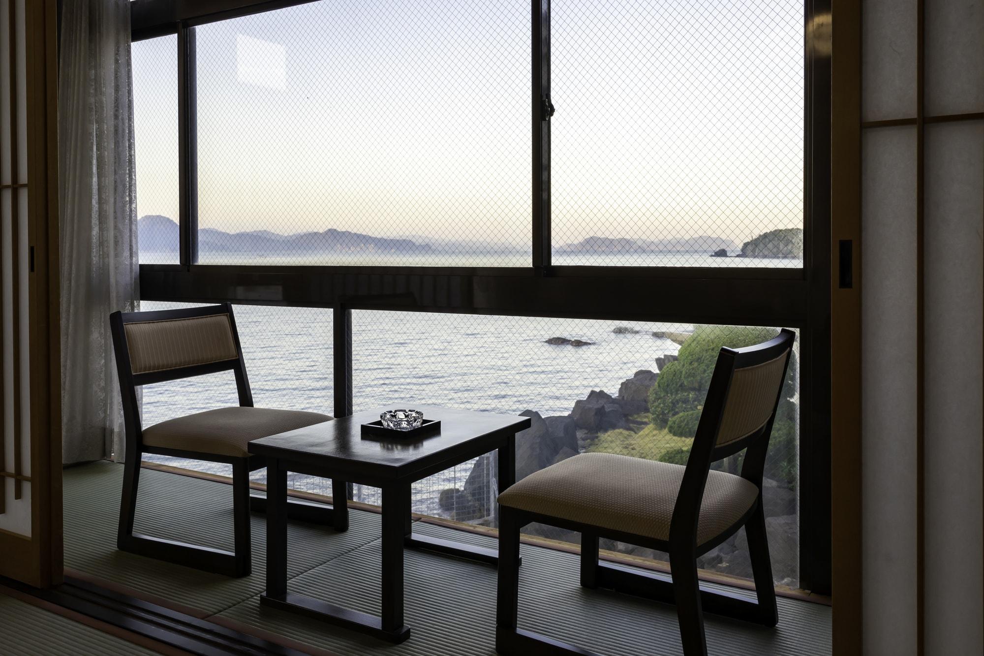 【はぎ温泉】瀬戸内海に沈む美しい夕陽に心洗われる